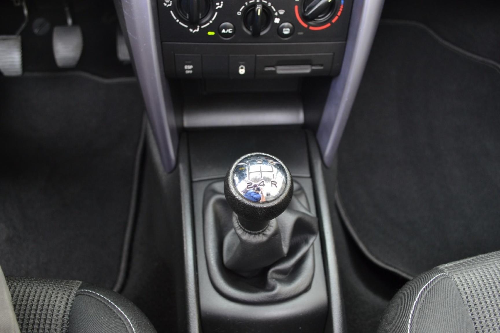 Peugeot-207-18