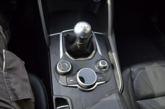 Alfa Romeo-Giulia-16
