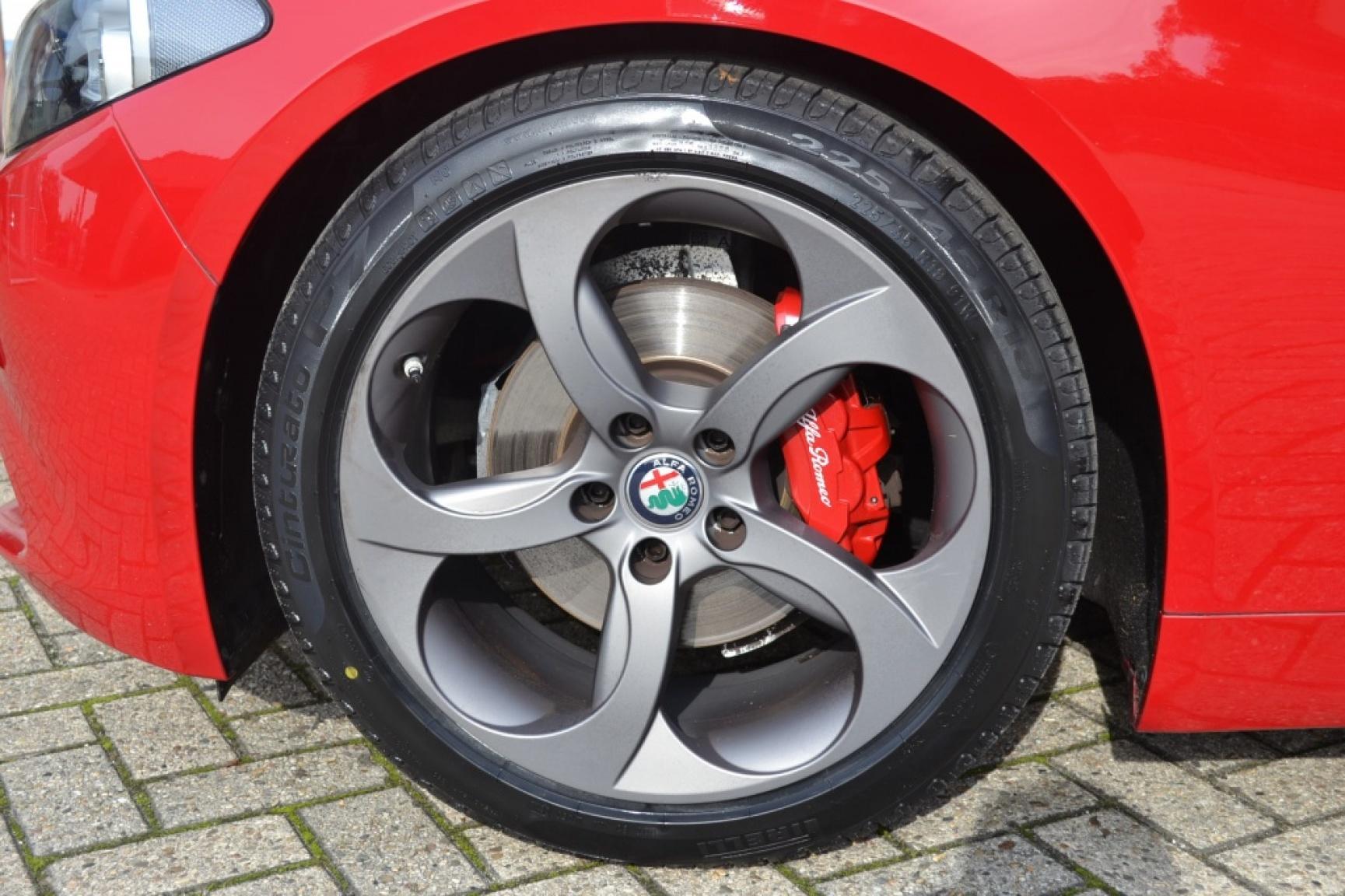Alfa Romeo-Giulia-7